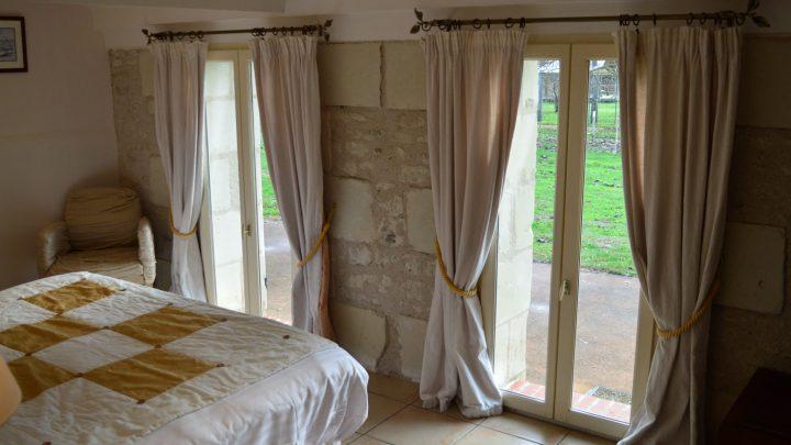 gite-location-scevolles-pierre-campagne (10)