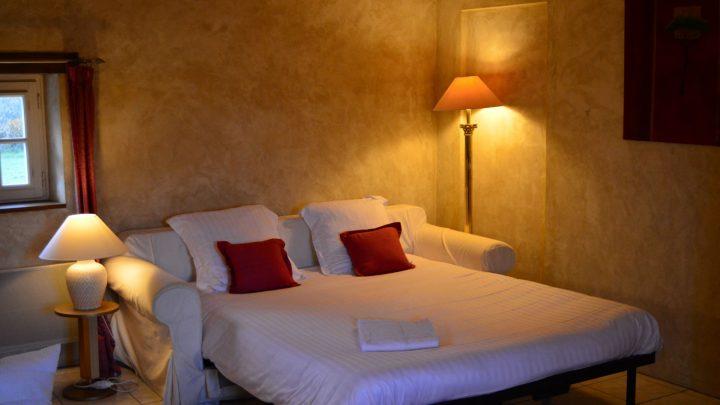 petit-manoir-gites-vienne-chambre (5)